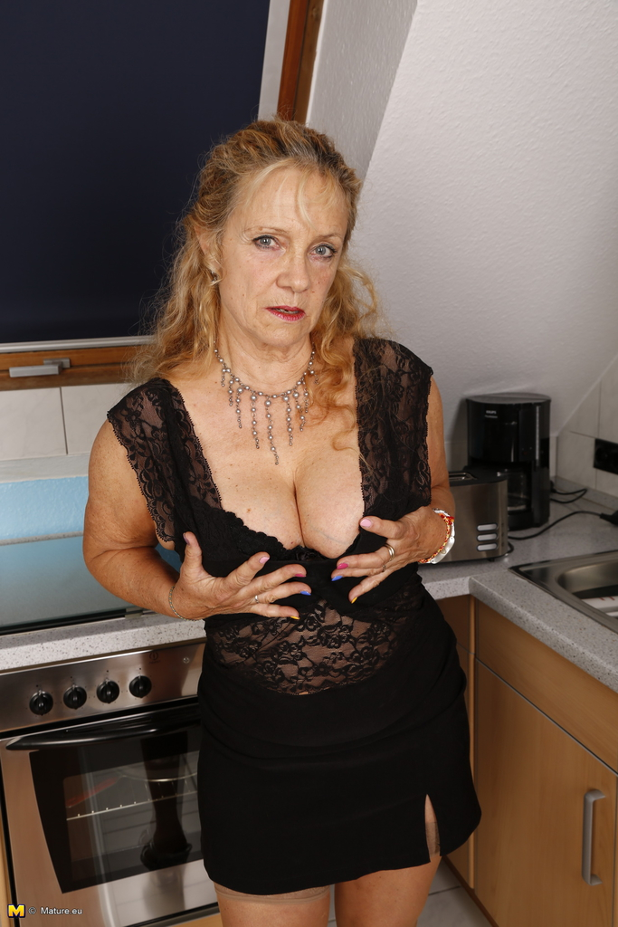 horny kitchen