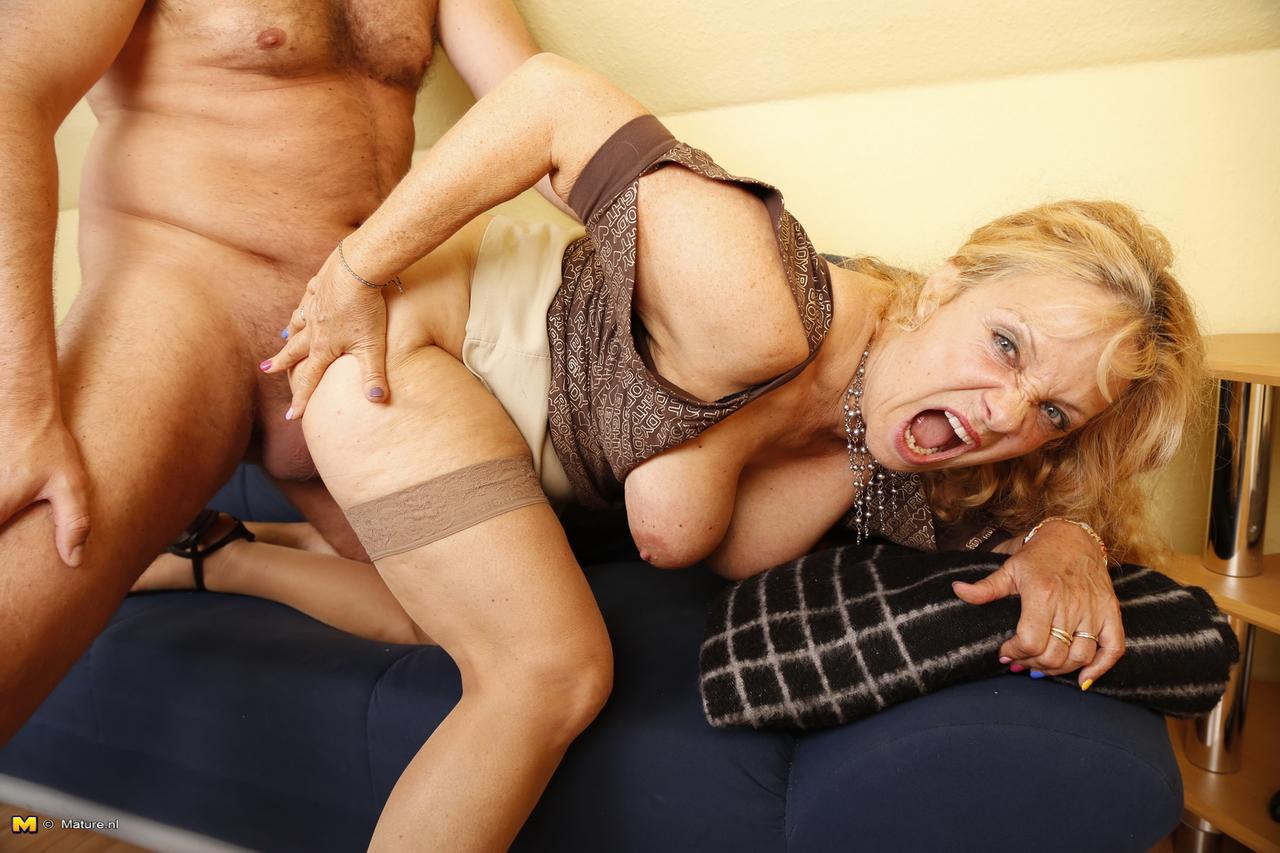 Naughty MILF German housewife fucked