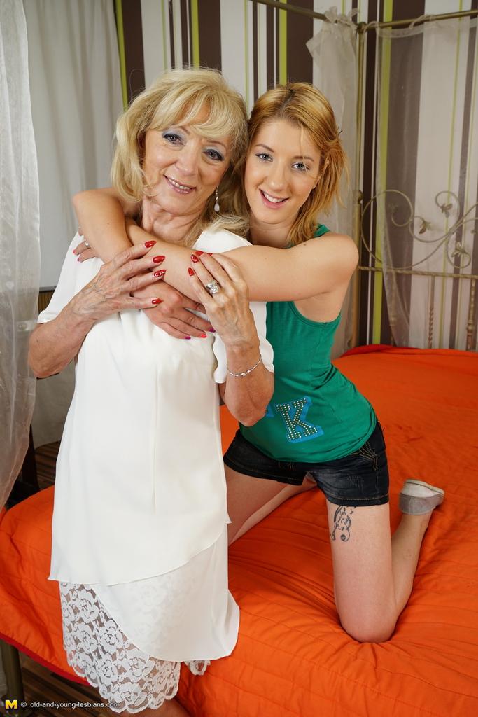 Teen granny lesbian