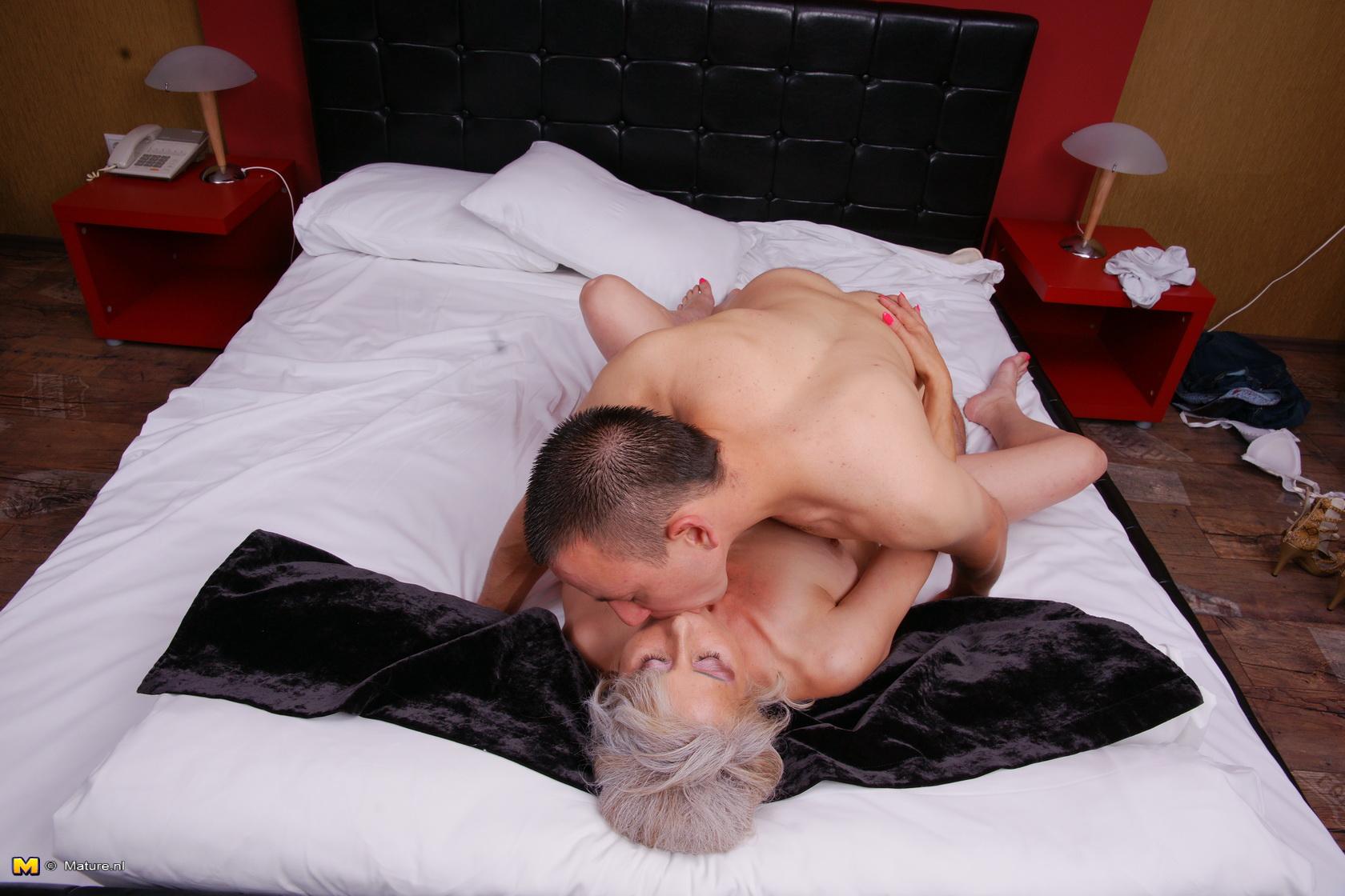 Lady and boy porn
