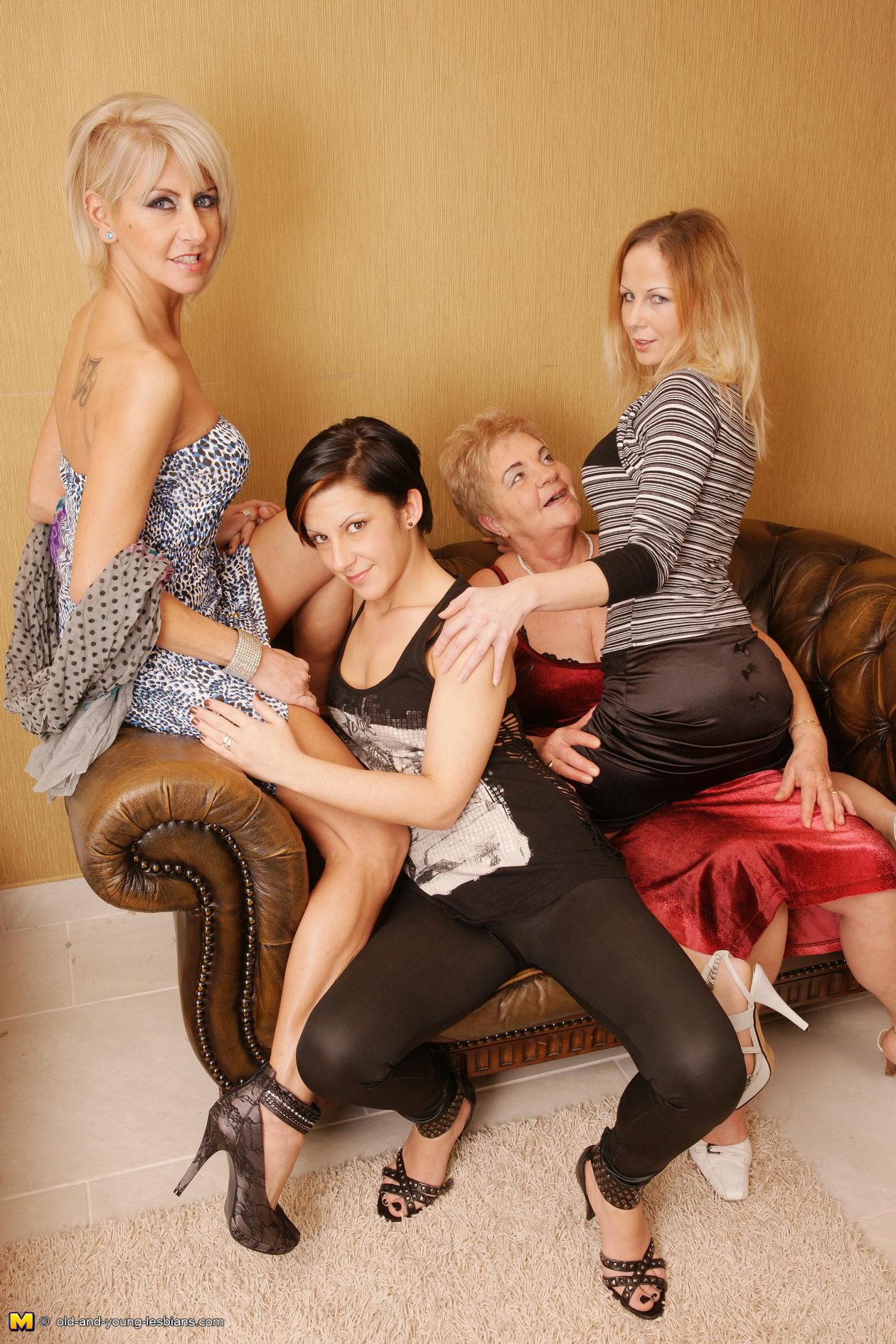 Four lesbians friends in sex 2